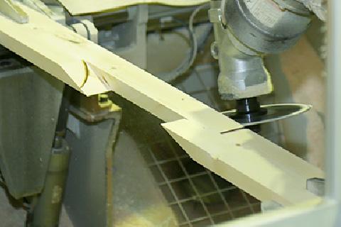 羽柄材自動加工ライン